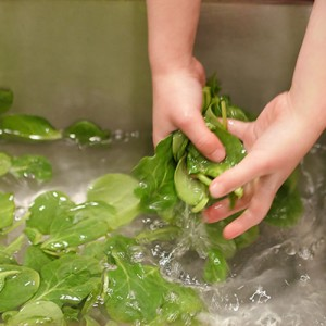 step-2-wash-greens